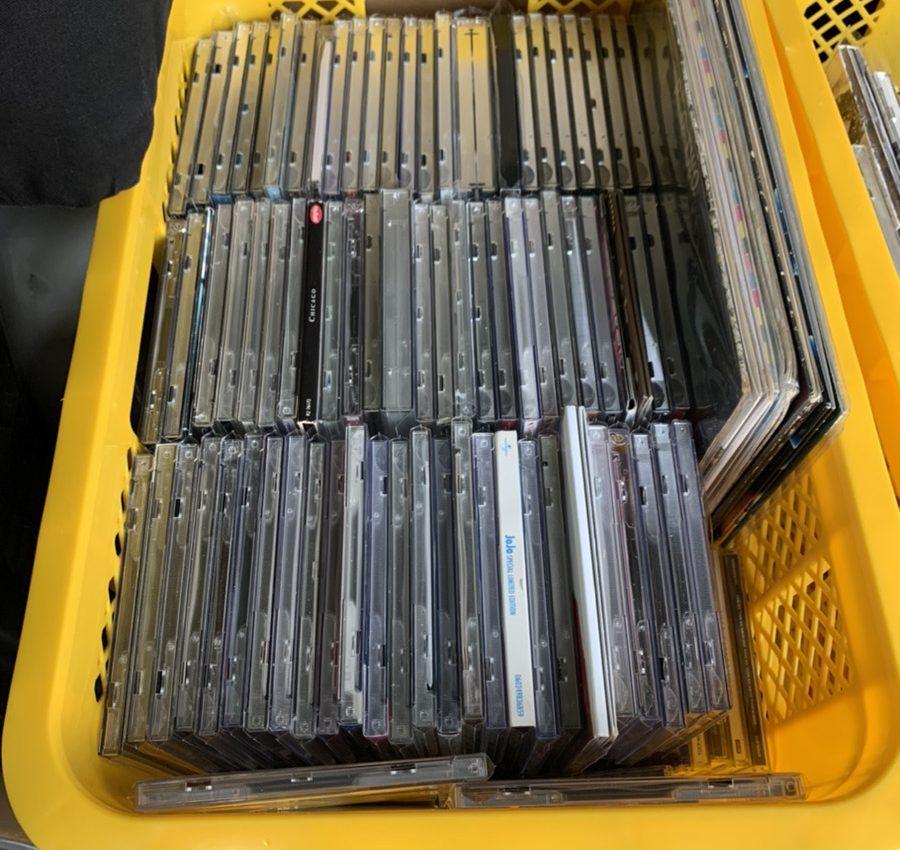 名古屋市中川区で洋楽CDを1000枚以上、出張買取させていただきました。